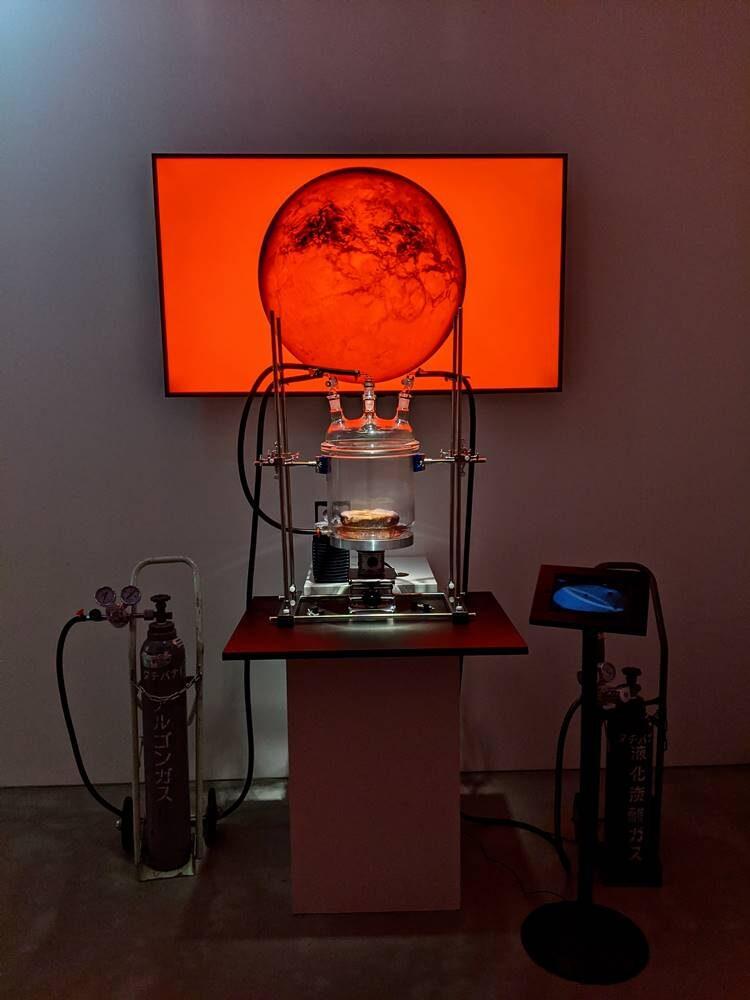 展覧会「2021年宇宙の旅 モノリス_」写真画像